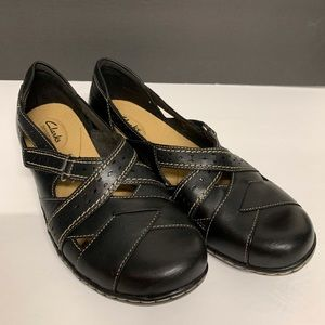 Clarks Bendables black leather Mary Jane shoes